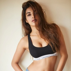 Sizzling Nidhhi Agerwal