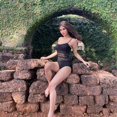 Mouni Roy Glamorous Pics